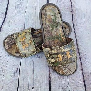 UNDER ARMOUR Sandals in Kids 7Y